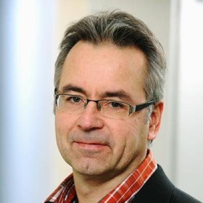 Portrait Hoffmann-Dücker, Univ.-Prof. Dr. Thorsten
